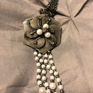Long pearl cocktail necklace